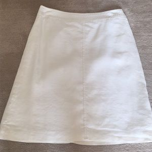 White Linen Skirt. Size 8. Banana Republic